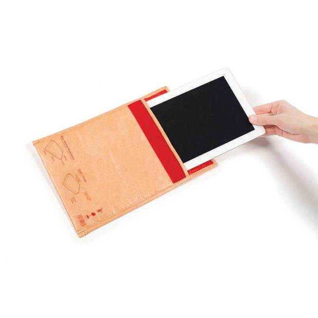 undercover-tablet-sleeve-01