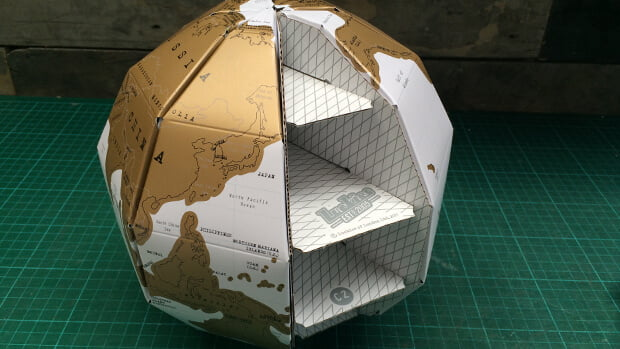 Scratch Globe travel gift