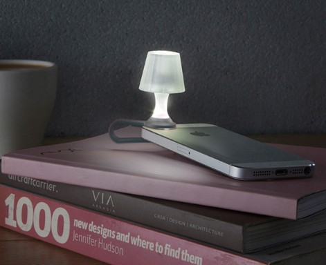 Luma Smartphone Light by Peleg