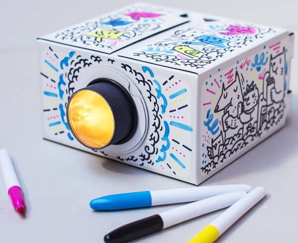Smartphone Projector 2.0 DIY by Luckies